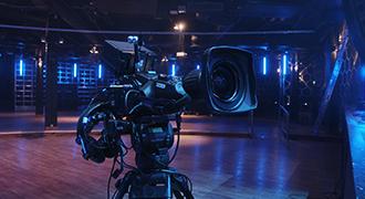 ザ・ダークネスのライブ、URSA Broadcastで撮影