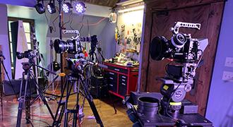 ジョン・ドリスケル・ホプキンス・バンド、Pocket CinemaCamera 6K ProおよびATEM Mini Extreme ISOを使用してアルバム「Lonesome High」の発売コンサートをライブ配信